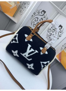LOUIS VUITTON  LAMB FUR COLOR BAG
