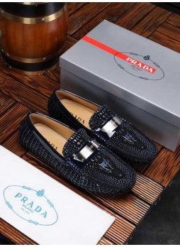PRADA CROCODILE LEATHER MEN'S LEATHER DRIVING SHOES IN EUROPE