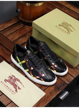 BURBERRY MEN'S PLAID CASUAL SNEAKERS