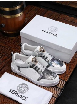 VERSACE 2019 CASUAL BOARD SHOES MEN'S WILD LOAFERS WITH LOGO