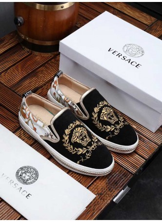 VERSACE EUROPE STATION 2019 LEATHER EMBROIDERED MEDUSA SHOES   WITH LOGO